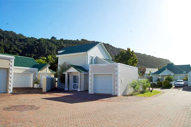 4186 the river club plettenberg bay accommodation for Garage with accommodation
