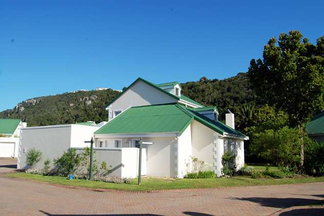 plettenberg bay singles Old plett home above look out beach, south africa,western cape,plettenberg bay is a 1,000ft² plettenberg bay luxury single family home listed for sale 7,200,000 zar this high end plettenberg bay single family home is comprised of 4 bedrooms and 2 baths.