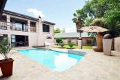 2 Op Terblanche Guest House