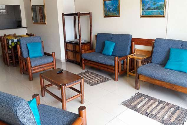 1/13 - Lounge - Self Catering Apartment Accommodation in Amanzimtoti 31 Inyoni Rocks Cabanas