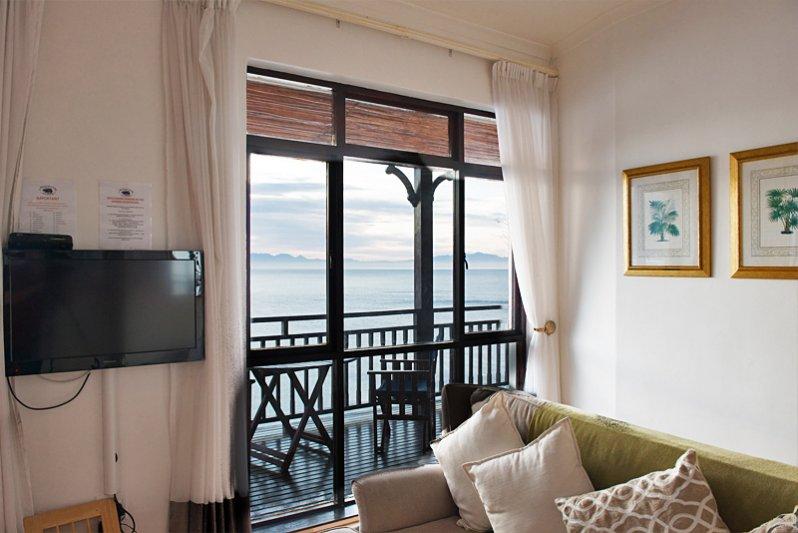 Beluga Living Room
