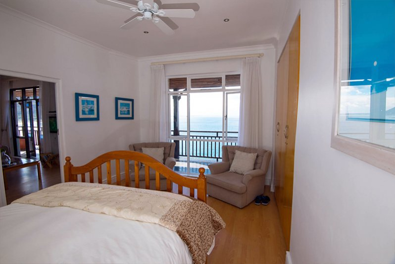 Beluga Bedroom 1