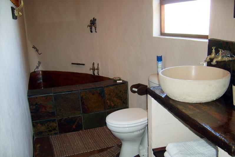 Bathroom ov open plan chalet