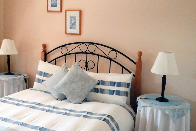 main Bedroom of Flats min 4 people