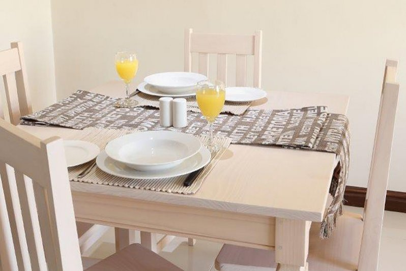 Dining table at Keursee 3