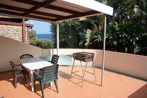 1/12 - Between Tides with limited seaview. 80m from the beach