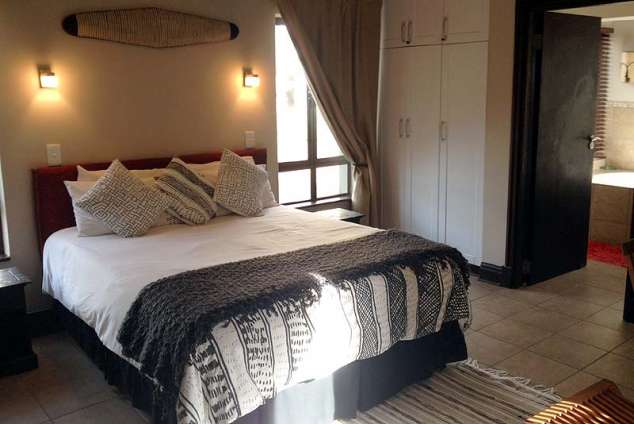 1/19 - Main Bedroom - Self Catering Accommodation in Prince's Grant, North Coast