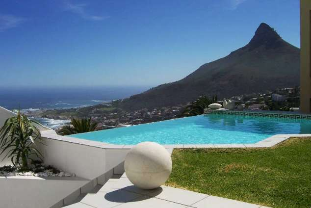 1/11 - Lions Head view, pool & lawn area
