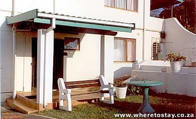 1/4 - Main entrance - Self Catering Accommodation in Pennington, South Coast