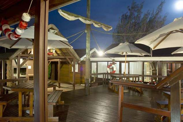 1/8 - Cosy deck - Bed & Breakfast accommodation in Jeffreys Bay