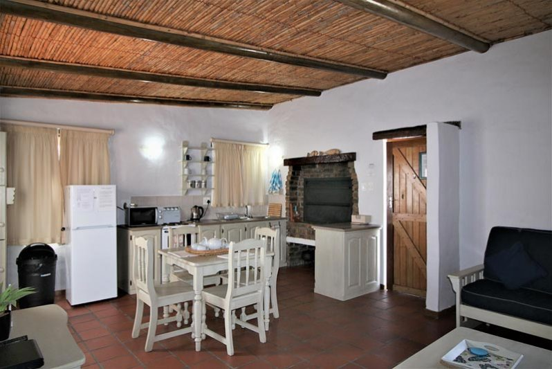 Cottage Open plan with inside braai