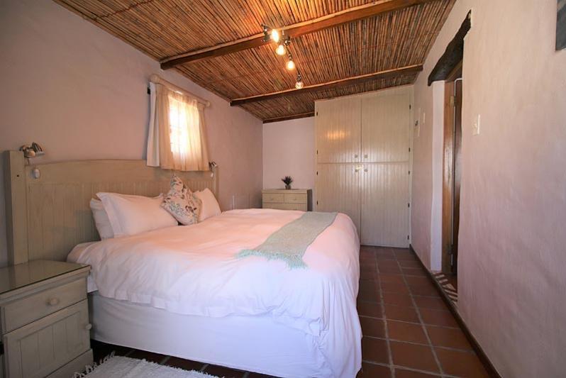Cottage King size bedroom