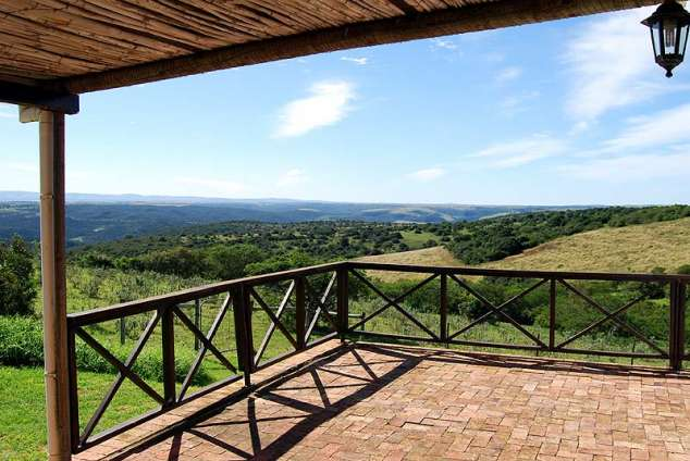 1/22 - View over the Kariega Vally - Self Catering Cottage accommodation near Kenton-on-sea