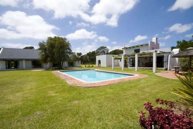 blue skies country house theescombe akkommodasie. Black Bedroom Furniture Sets. Home Design Ideas