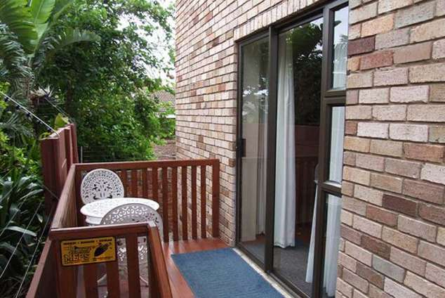 1/7 - Entrance to Bachelor - Self Catering Apartment in Bluewater Bay