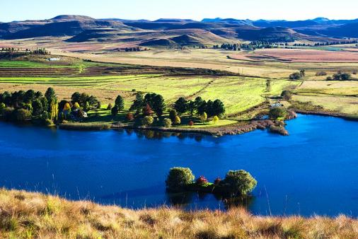 1/12 - Curragh Lake - Self Catering Cottage Accommodation in Underberg, Drakensberg