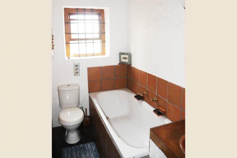 Bath main bedroom