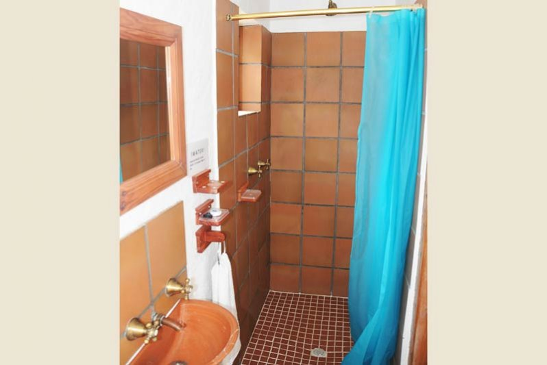 Shower Second bedroom