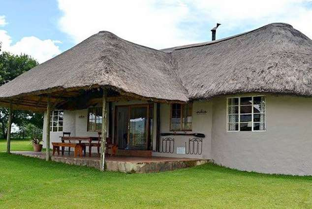 1/16 - Cottage on the dam - Self Catering Cottage Accommodation in Himeville