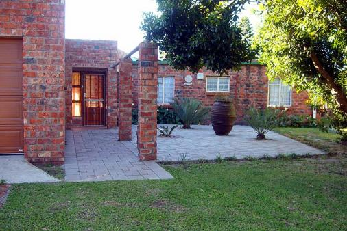 1/8 - Main Street Entrance - Self Catering House, Bushman's River Mouth