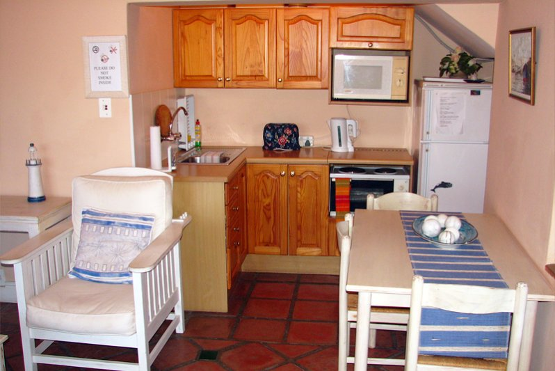Bay Suite, kitchenette
