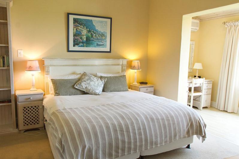 Bedroom - The Pool Suite