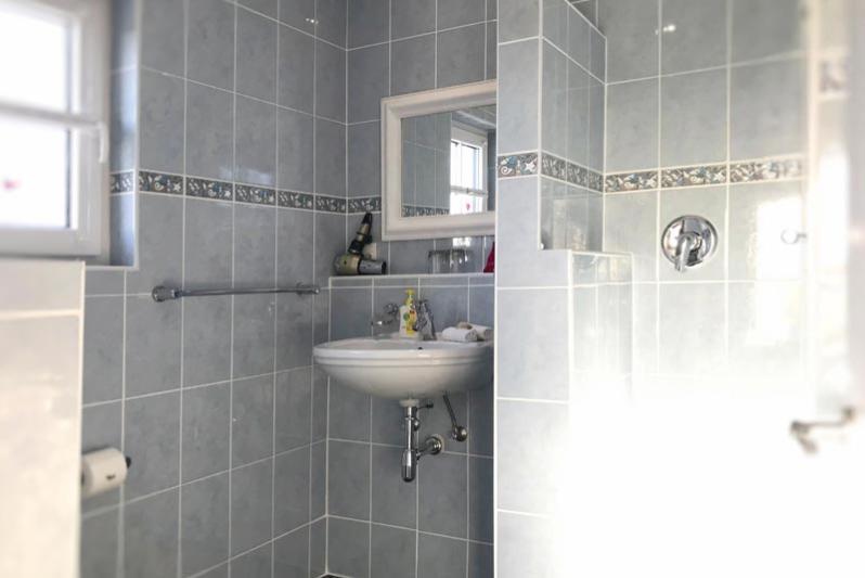 Perlemoen bathroom