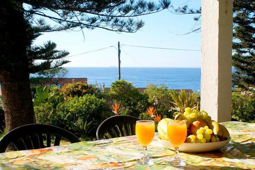 1/15 - Just 100m to the sea and lovely seaviews from the large verandah