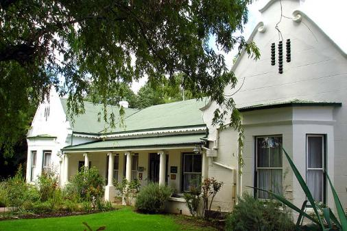 1/8 - Heritage House, Where the best rest - Bed & Breakfast accommodation in Cradock