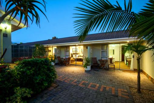 1/8 - Bed & Breakfast in Summerstrand