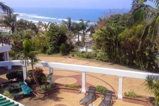 1/11 - Ingwe Manor - Bed & Breakfast Accommodation in Margate