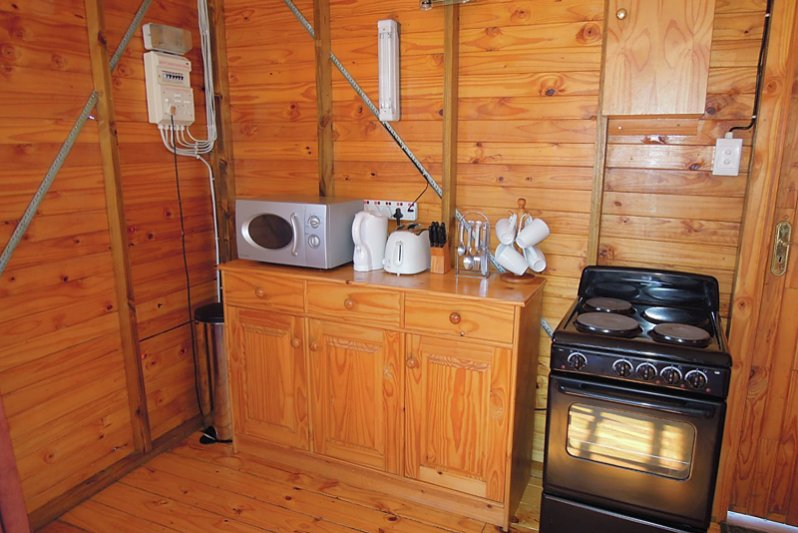 Cottage 8 Mali Kitchen