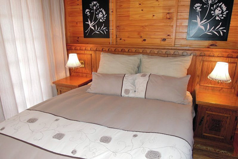 Cottage 5 Lizzy Bedroom