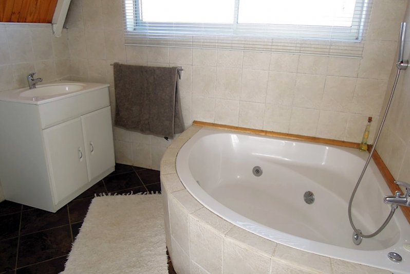 Cottage 9 Venus bathroom