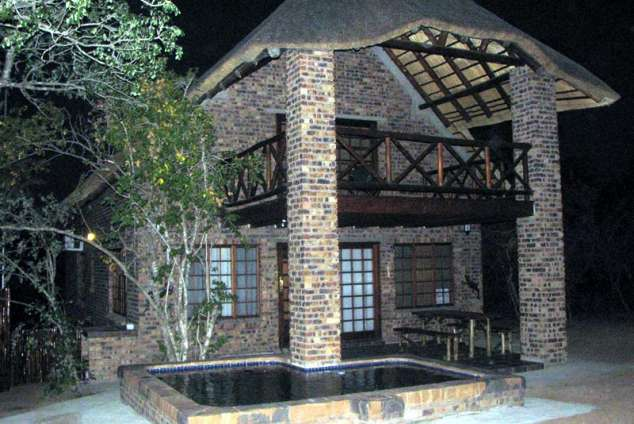 1/8 - Pemba at night - Self Catering Bush Lodge Accommodation in Marloth Park, Kruger Park Area