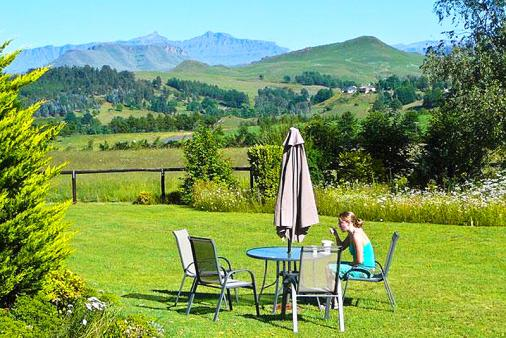 1/12 - View from Pennygum - Self Catering Cottage Accommodation in Underberg, Drakensberg