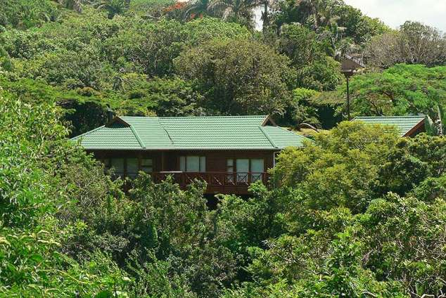 1/8 - Duiker Chalet on Bend Road - Self Catering Accommodation in Umtentweni, South Coast