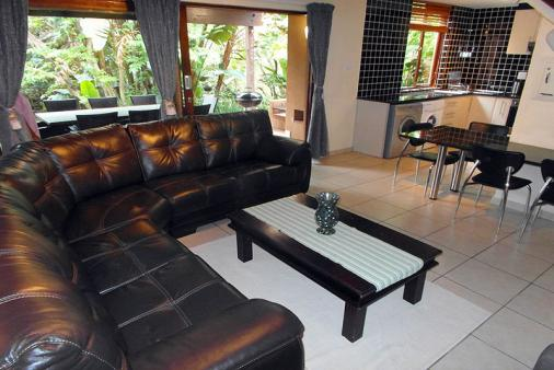 1/10 - Lounge - Self Catering Holiday Accommodation in San Lameer, South Coast