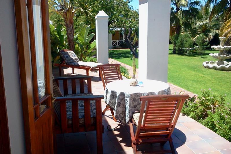 Pool suite patio