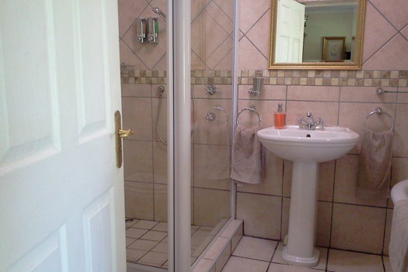 Victoria room bathroom