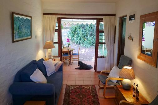 1/18 - 'Lourie' Lounge looking out - Star Graded Self Catering Accommodation in Umdloti Beach