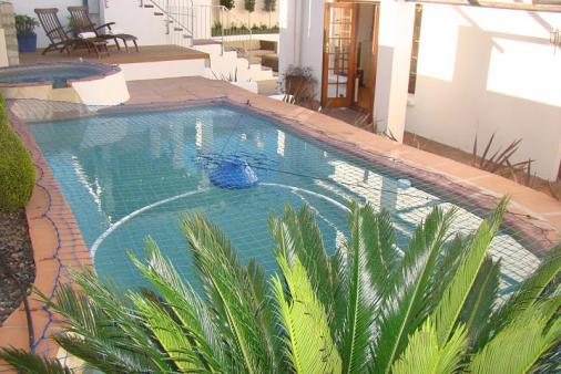 1/15 - Solarheated pool and jacuzzi