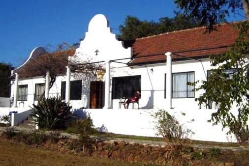 1/7 - The Riverhouse - Bed & Breakfast Accommodation in Estcourt