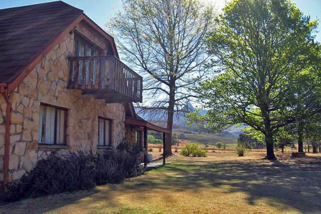 1/16 - Thel Jean Cottage - Self Catering Cottage Accommodation in Drakensberg Gardens Area