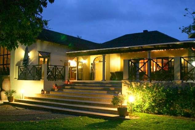 1/8 - Umdlalo Lodge - Bed & Breakfast in Umtentweni, South Coast