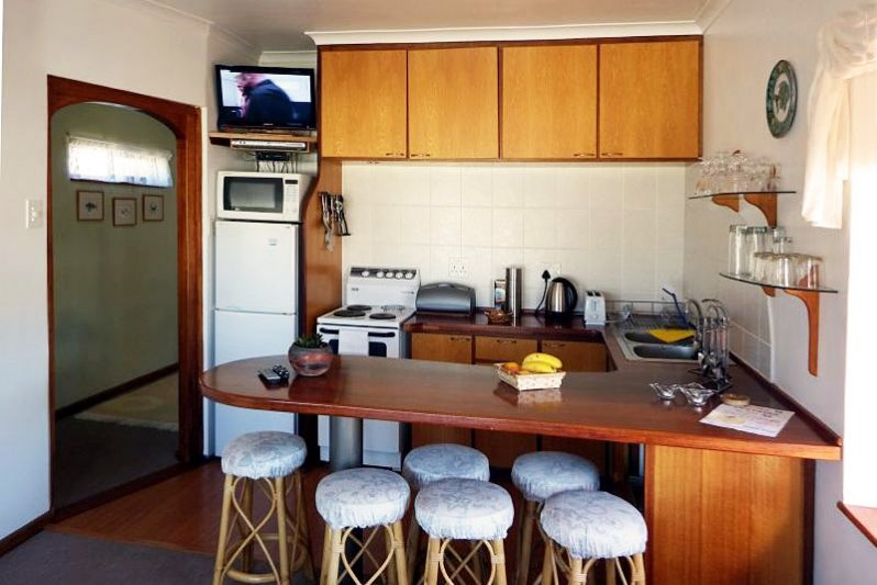 UPSTAIRS dining-kitchen