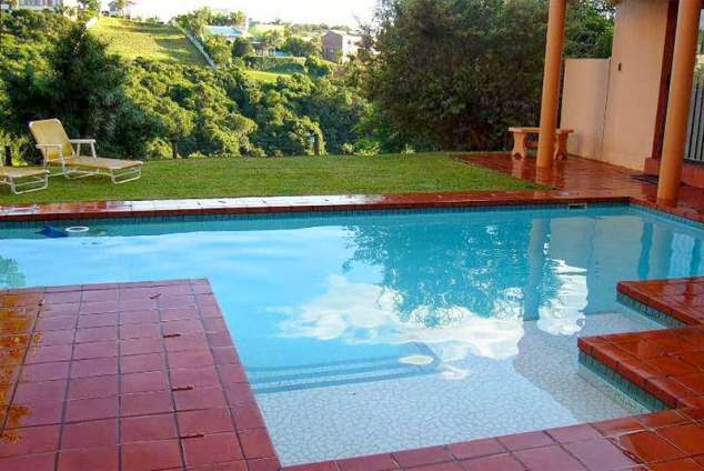 1/22 - Swimming pool - Bed & Breakfast accommodation Vincent Heights, East London