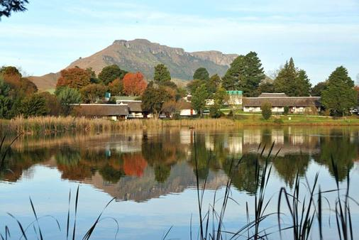1/21 - White Mountain Lodge - Holiday Resort Accommodation in Central Drakensberg