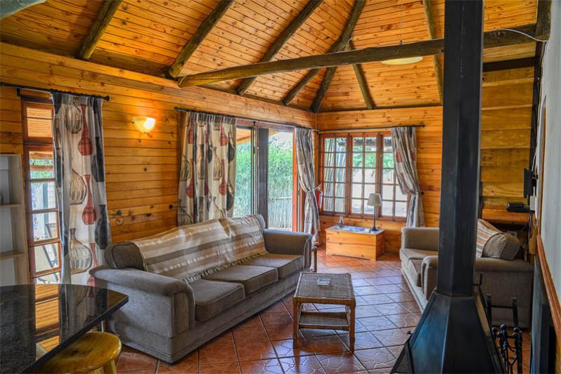 Acacia Tree Cottage Lounge