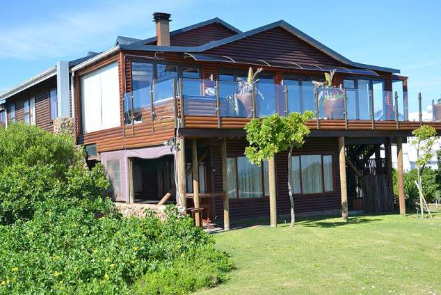 1/8 - Self Catering Apartment Accommodation in Oyster Bay